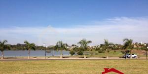 Terreno à venda em Engenheiro Coelho no Residencial Lago Azul