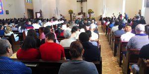 Celebração de Corpus Christi reúne centenas em Engenheiro Coelho