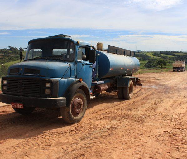 Terrenos a venda no loteamento Recanto Tropical